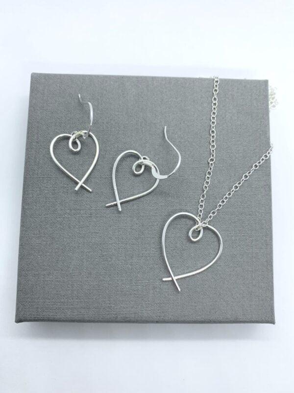 Silver jewellery set