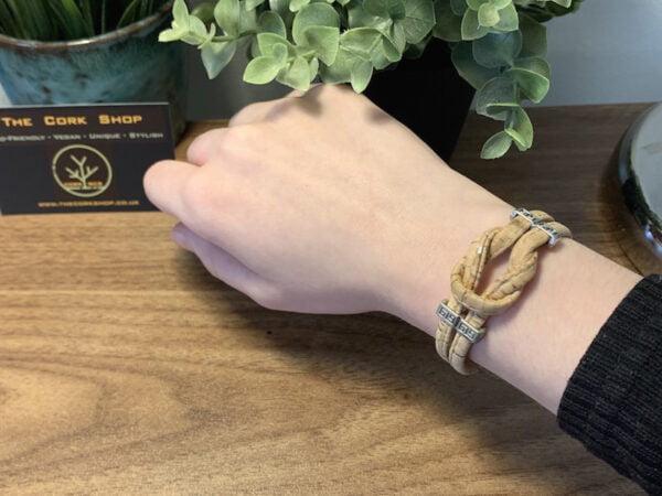 Model Infinity Bracelet 2