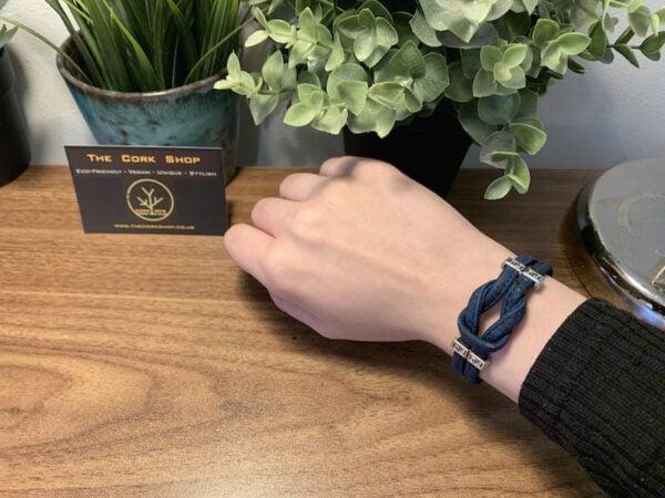 Model Infinity Bracelet 1